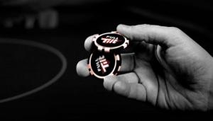 fulltilt Casino bild på hand med pokermarker